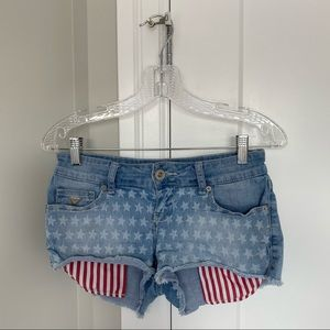 🌸 GUESS Jean Shorts with Red and White Pockets